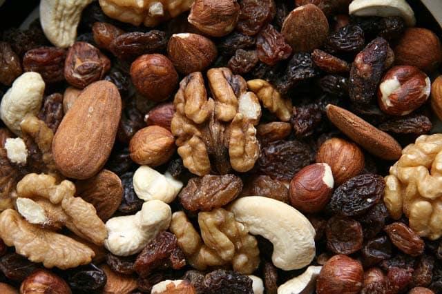 nuts calorie density