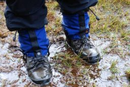 how to keep feet dry hiking