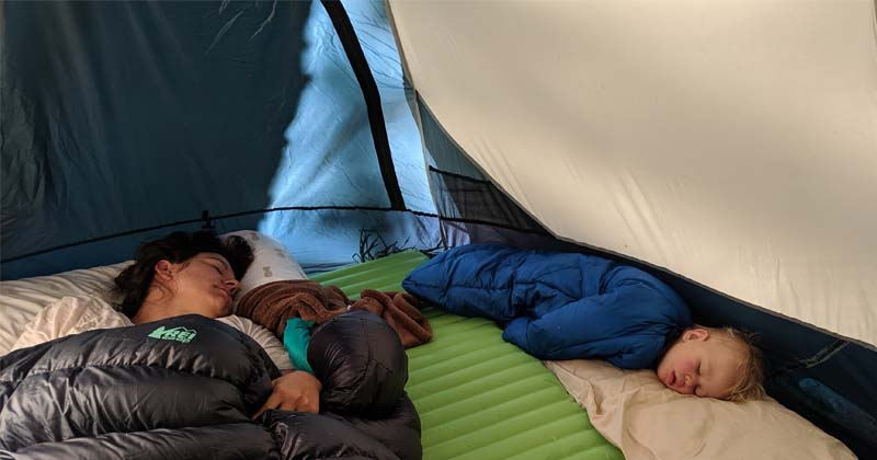 how to get toddler to sleep camping