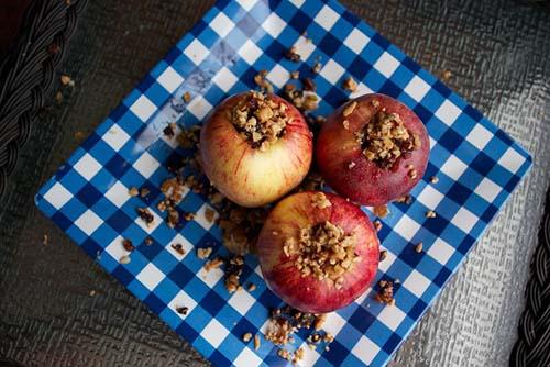 campfire stuffed apples